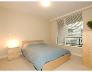 Photo 8: 406-160 West 3rd Street in North Vancouver: Lower Lonsdale Condo for sale : MLS®# V790001