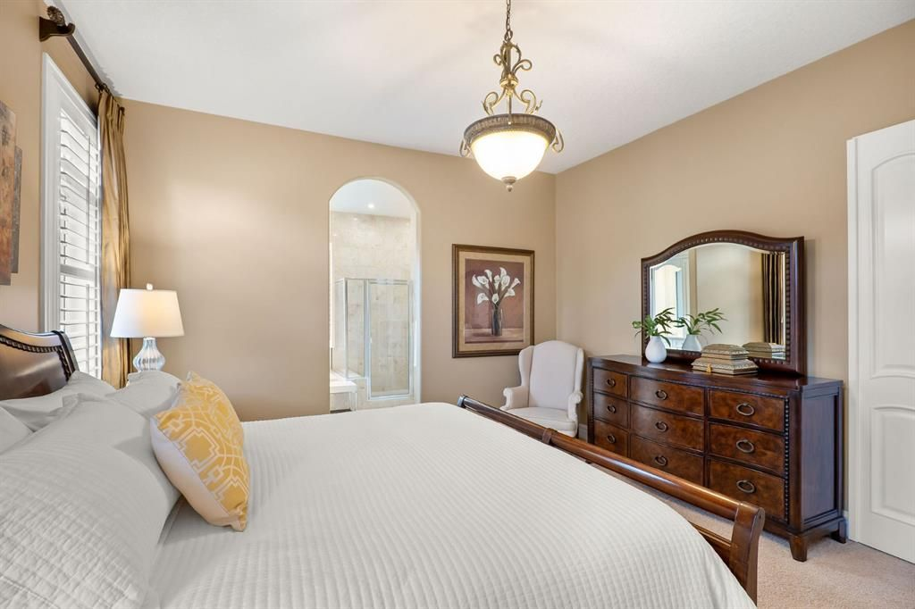 Photo 22: Photos: 15 Lynx Meadows Drive NW: Calgary Detached for sale : MLS®# A1139904