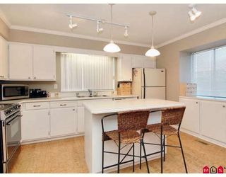 """Photo 2: 1954 148TH Street in White_Rock: Sunnyside Park Surrey House for sale in """"SOUTHMERE"""" (South Surrey White Rock)  : MLS®# F2727274"""