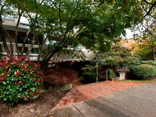 """Photo 2: 105 1299 W 7TH Avenue in Vancouver: Fairview VW Condo for sale in """"MARBELLA"""" (Vancouver West)  : MLS®# V935816"""