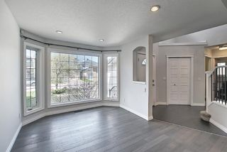 Photo 3: 29 West Cedar Point SW in Calgary: West Springs Detached for sale : MLS®# A1131789