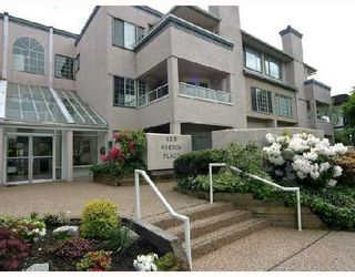 """Photo 1: 209 125 W 18TH Street in North_Vancouver: Central Lonsdale Condo for sale in """"ASHTON PLACE"""" (North Vancouver)  : MLS®# V701286"""