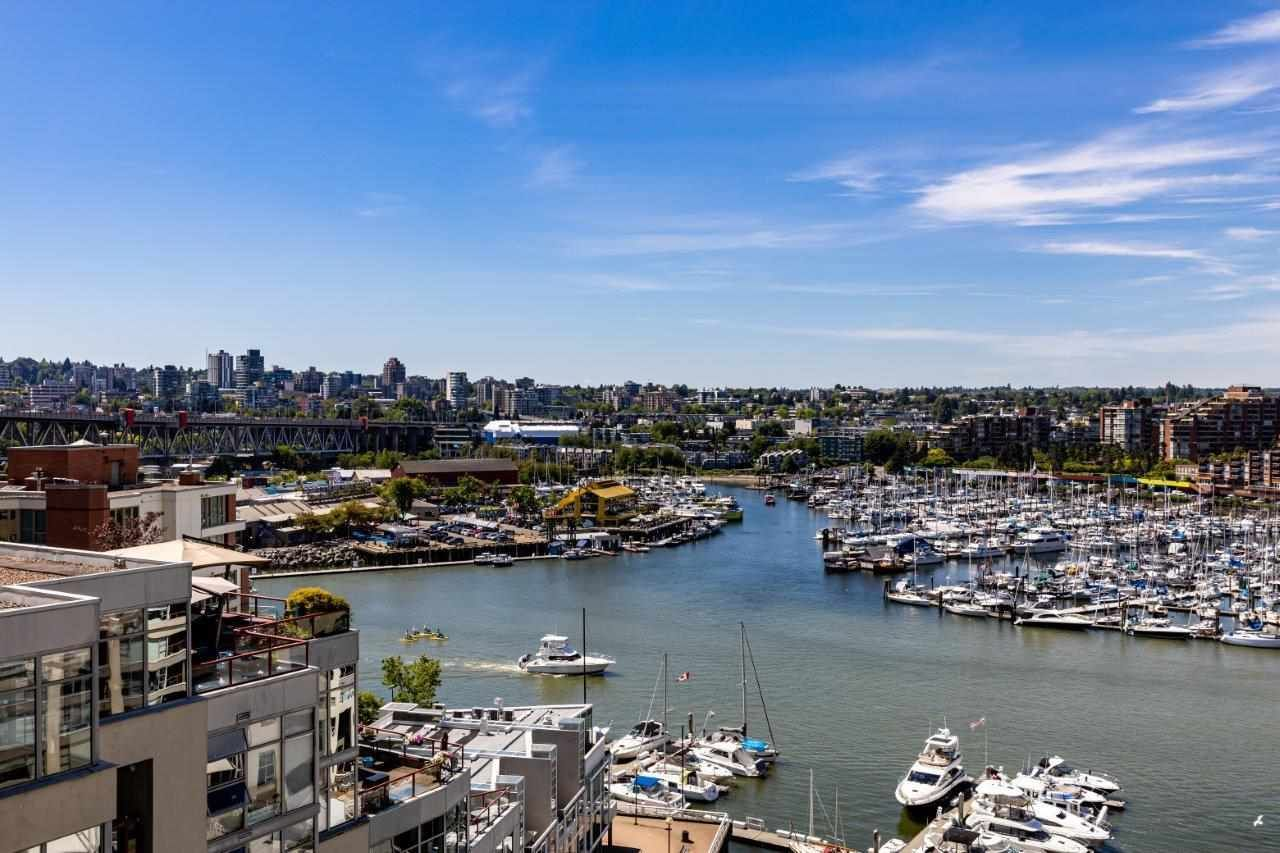 Main Photo: 1103 1000 BEACH AVENUE in Vancouver: Yaletown Condo for sale (Vancouver West)  : MLS®# R2589073