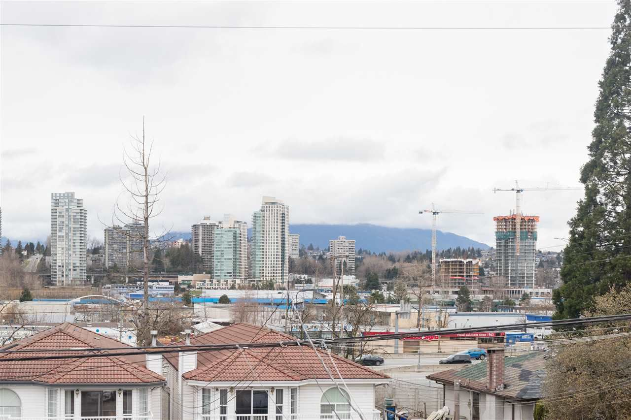 Photo 19: Photos: 5046 MANOR Street in Burnaby: Central BN 1/2 Duplex for sale (Burnaby North)  : MLS®# R2441372