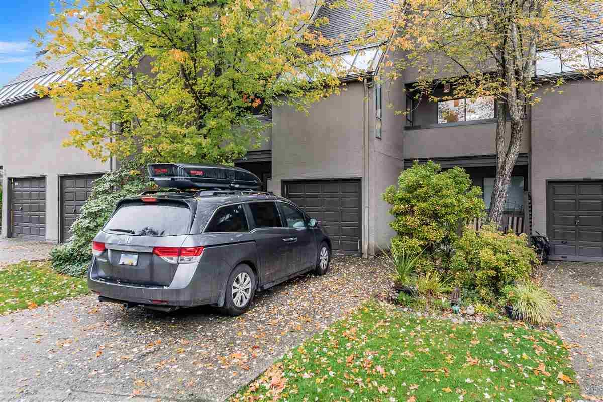 """Main Photo: 8555 WOODRIDGE Place in Burnaby: Forest Hills BN Townhouse for sale in """"Simon Fraser Village"""" (Burnaby North)  : MLS®# R2413238"""