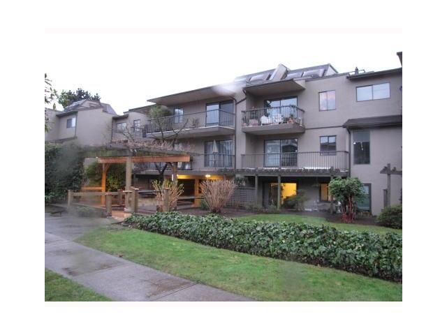 "Photo 1: Photos: 110 251 W 4TH Street in North Vancouver: Lower Lonsdale Condo for sale in ""BRITANNIA PLACE"" : MLS®# V921082"