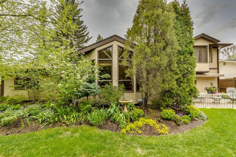 FEATURED LISTING: 603 Willoughby Crescent Southeast Calgary