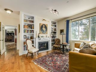 Photo 3: 828 17TH Street in West Vancouver: Ambleside House for sale : MLS®# R2616452