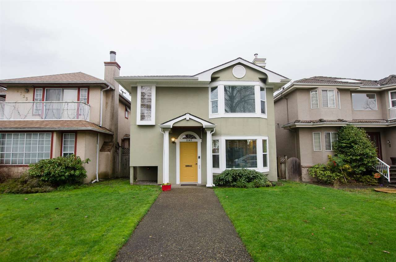 """Main Photo: 2143 UPLAND Drive in Vancouver: Fraserview VE House for sale in """"FRASERVIEW"""" (Vancouver East)  : MLS®# R2249615"""