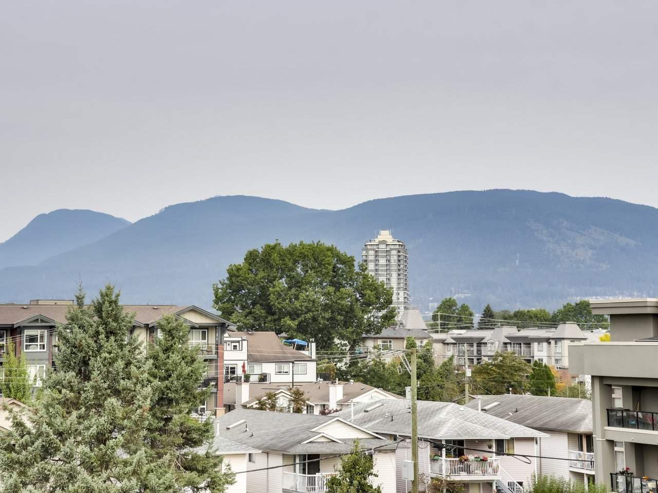 """Main Photo: 402 2388 WELCHER Avenue in Port Coquitlam: Central Pt Coquitlam Condo for sale in """"Parkgreen"""" : MLS®# R2506056"""