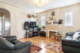 Photo 2: 10709 112 Street in Edmonton: Zone 08 House for sale : MLS®# E4236894