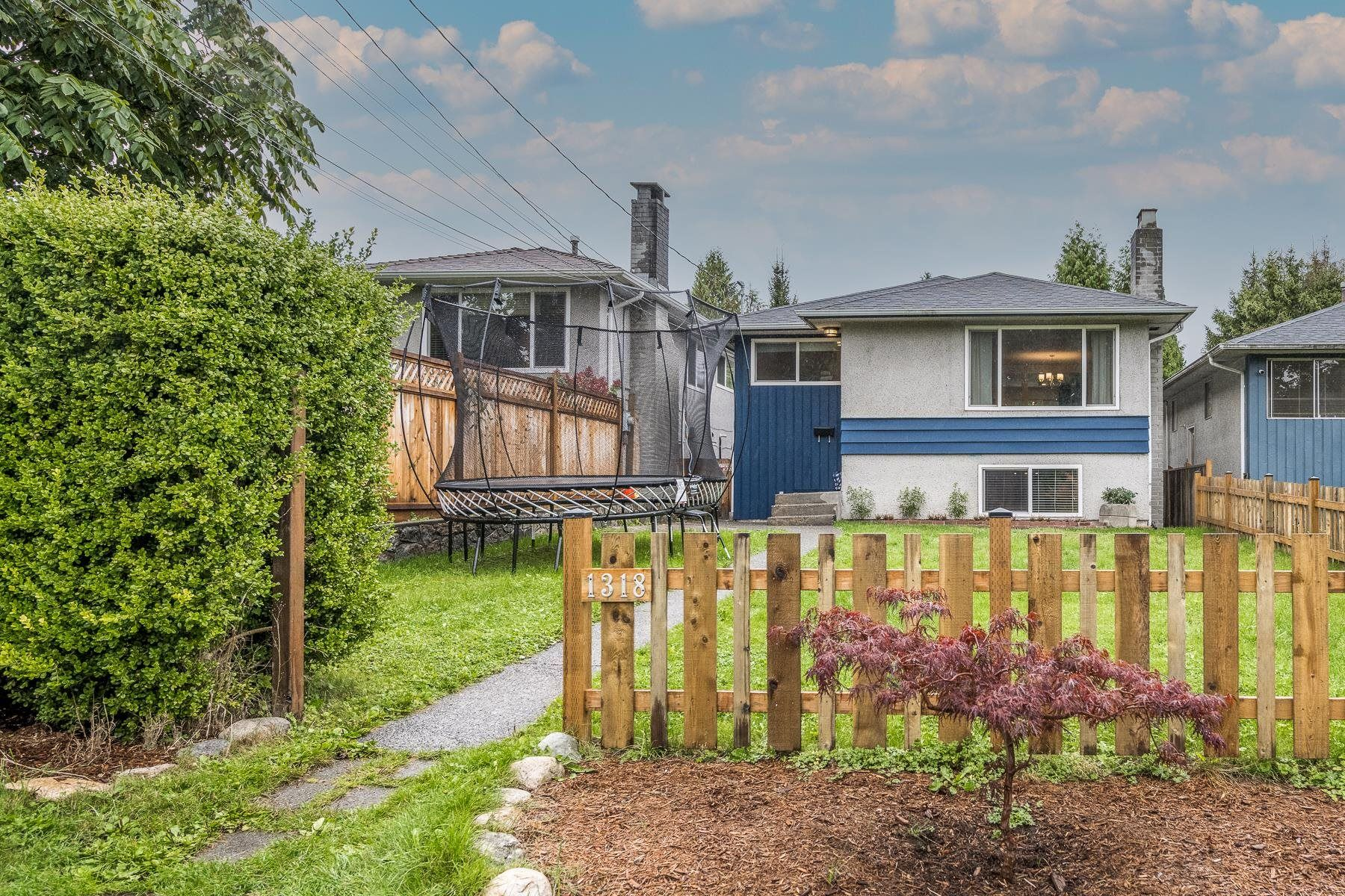 Main Photo: 1318 E 29TH Street in North Vancouver: Westlynn House for sale : MLS®# R2623447