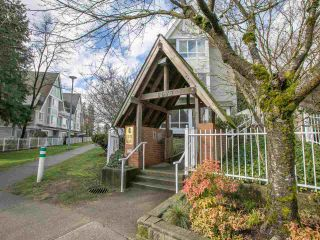 Photo 3: 7 6577 SOUTHOAKS CRESCENT in Burnaby: Highgate Townhouse for sale (Burnaby South)  : MLS®# R2542277