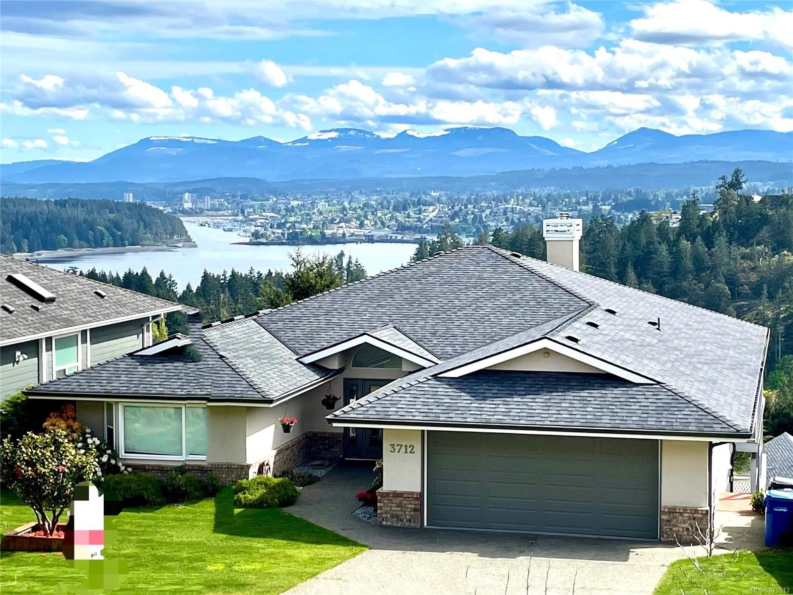 Main Photo: 3712 Belaire Dr in : Na Hammond Bay House for sale (Nanaimo)  : MLS®# 875913