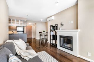 """Photo 1: 3009 892 CARNARVON Street in New Westminster: Downtown NW Condo for sale in """"AZURE 2"""" : MLS®# R2531047"""