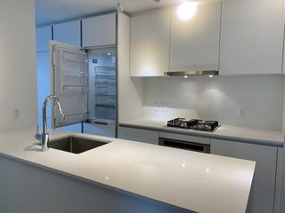 """Photo 6: 1005 988 QUAYSIDE Drive in New Westminster: Quay Condo for sale in """"Riversky 2"""" : MLS®# R2625383"""