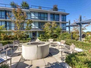 """Photo 17: 375 2080 W BROADWAY in Vancouver: Kitsilano Condo for sale in """"PINNACLE LIVING ON BROADWAY"""" (Vancouver West)  : MLS®# R2211453"""