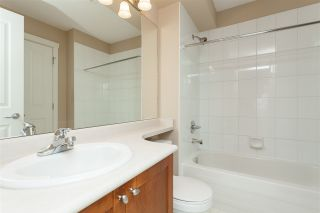"""Photo 10: 84 15500 ROSEMARY HEIGHTS Crescent in Surrey: Morgan Creek Townhouse for sale in """"CARRINGTON, Sunny South Facing"""" (South Surrey White Rock)  : MLS®# R2404130"""