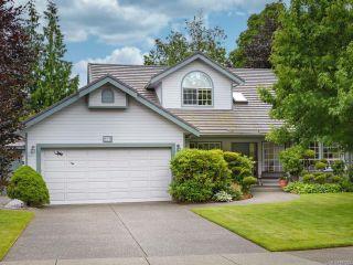 Photo 1: 879 Eastwicke Cres in COMOX: CV Comox (Town of) House for sale (Comox Valley)  : MLS®# 842967