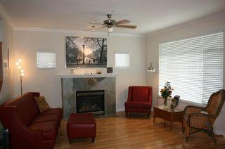 Photo 2: 15487 Goggs Avenue in La Villettina: Home for sale : MLS®# F1023920