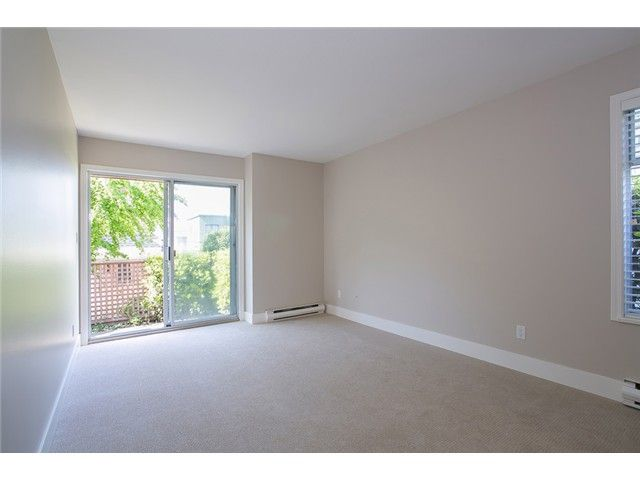 Photo 15: Photos: 1 241 E 4TH Street in North Vancouver: Lower Lonsdale Townhouse for sale : MLS®# V1062566