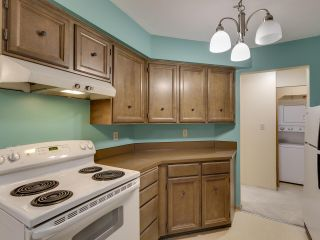 """Photo 2: 111 2320 W 40TH Avenue in Vancouver: Kerrisdale Condo for sale in """"Manor Gardens"""" (Vancouver West)  : MLS®# R2546363"""