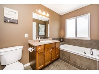 """Photo 14: 55 11720 COTTONWOOD Drive in Maple Ridge: Cottonwood MR Townhouse for sale in """"COTTONWOOD GREEN"""" : MLS®# R2184980"""