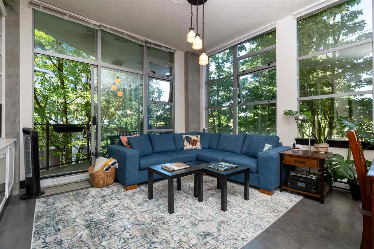 Photo 6: Photos: 207 2635 PRINCE EDWARD STREET in Vancouver: Mount Pleasant VE Condo for sale (Vancouver East)  : MLS®# R2488215
