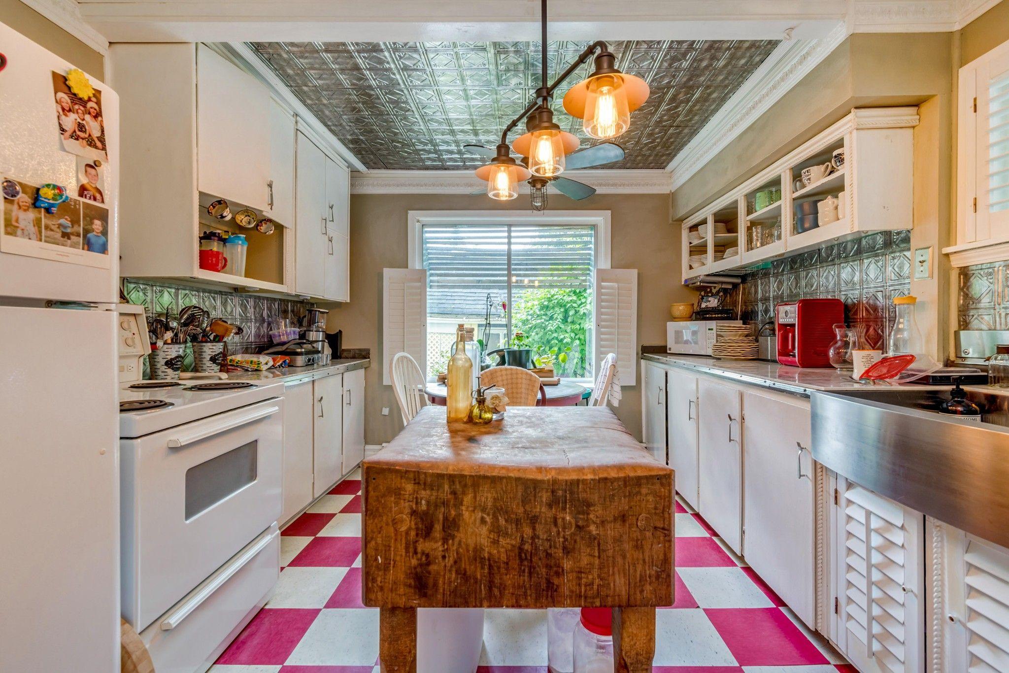 Photo 9: Photos: 20623 114 Avenue in Maple Ridge: Southwest Maple Ridge House for sale : MLS®# R2465656