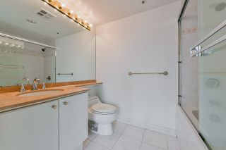 """Photo 34: 2002 1500 HORNBY Street in Vancouver: Yaletown Condo for sale in """"888 BEACH"""" (Vancouver West)  : MLS®# R2461920"""