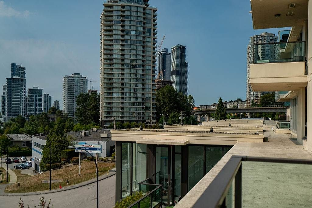 Photo 22: Photos: 402 2232 DOUGLAS ROAD in Burnaby: Brentwood Park Condo for sale (Burnaby North)  : MLS®# R2495564