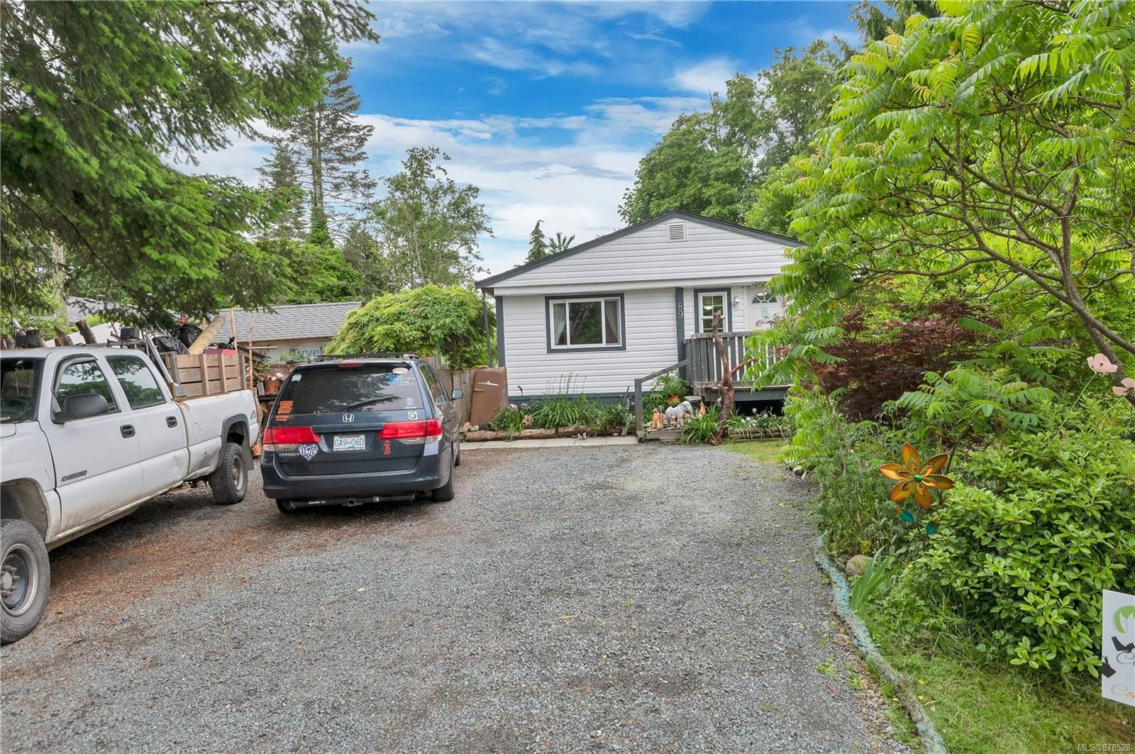 Main Photo: 89 Lynnwood Rd in : CR Campbell River South Manufactured Home for sale (Campbell River)  : MLS®# 878528