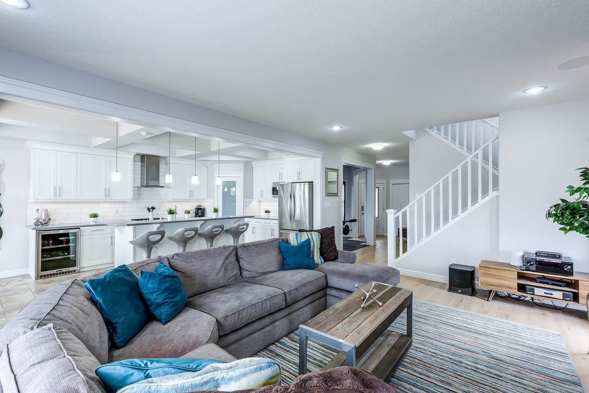 Main Photo: 1307 158 Street in Edmonton: Zone 56 House for sale : MLS®# E4240864