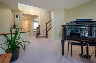Photo 5: 85 STRATHRIDGE Close SW in Calgary: Strathcona Park Detached for sale : MLS®# A1019965