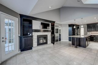 Photo 8: 864 SHAWNEE Drive SW in Calgary: Shawnee Slopes Detached for sale : MLS®# C4282551