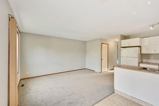 Photo 3: 5816 60 Avenue: Red Deer Semi Detached for sale : MLS®# A1149558