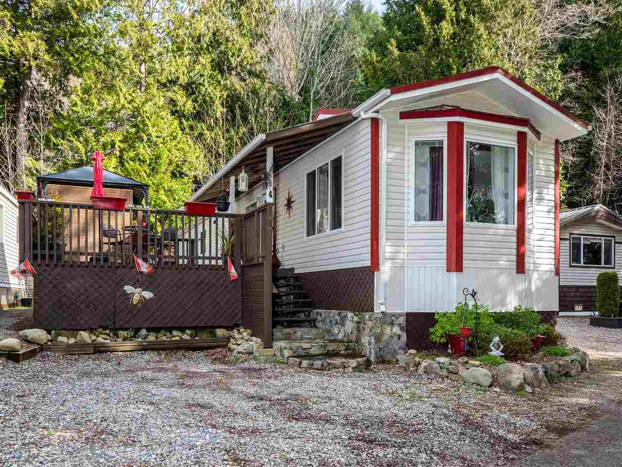 Main Photo: 4 12793 MADEIRA PARK Road in Madeira Park: Pender Harbour Egmont Manufactured Home for sale (Sunshine Coast)  : MLS®# R2545308