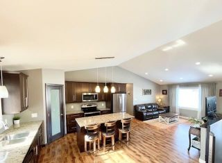 Photo 8: 1047 Stickle Avenue in Carberry: R36 Residential for sale (R36 - Beautiful Plains)  : MLS®# 202104595
