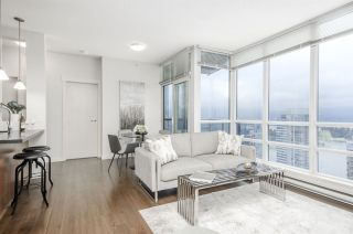 """Photo 2: 3102 1189 MELVILLE Street in Vancouver: Coal Harbour Condo for sale in """"THE MELVILLE"""" (Vancouver West)  : MLS®# R2457836"""