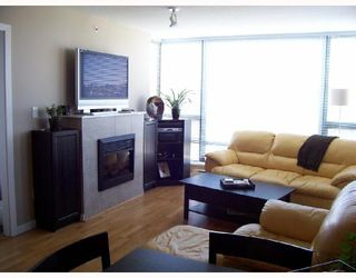 "Photo 5: 904 4178 DAWSON Street in Burnaby: Brentwood Park Condo for sale in ""TANDEM"" (Burnaby North)  : MLS®# V720086"