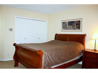 """Photo 7: 3480 LYNMOOR Place in Vancouver: Champlain Heights Townhouse for sale in """"MOORPARK"""" (Vancouver East)  : MLS®# V900458"""