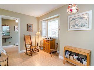 "Photo 11: 805 9139 154 Street in Surrey: Fleetwood Tynehead Townhouse for sale in ""Lexington Square"" : MLS®# R2431673"