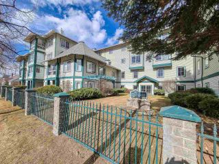 """Photo 1: 303 1638 6TH Avenue in Prince George: Downtown PG Condo for sale in """"COURT YARD ON 6TH"""" (PG City Central (Zone 72))  : MLS®# R2554096"""