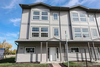 Photo 2: 1A 210 Main Street in Selkirk: R14 Condominium for sale : MLS®# 202124886