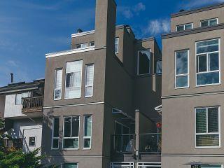 """Photo 14: 208 2110 CORNWALL Avenue in Vancouver: Kitsilano Condo for sale in """"Seagate Villa"""" (Vancouver West)  : MLS®# R2515614"""