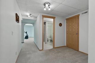 Photo 36: 927 Shawnee Drive SW in Calgary: Shawnee Slopes Detached for sale : MLS®# A1123376