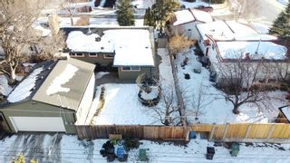 Photo 11: 2607 Laurel Crescent SW in Calgary: Lakeview Detached for sale : MLS®# A1065350