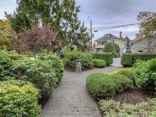 Photo 2: 2 1331 Johnson St in VICTORIA: Vi Downtown Condo for sale (Victoria)  : MLS®# 744195
