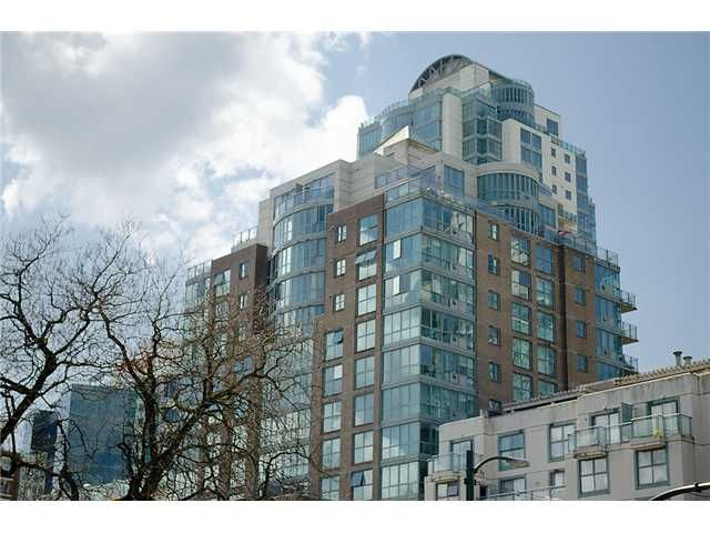 Main Photo: 402 1159 MAIN Street in Vancouver: Mount Pleasant VE Condo for sale (Vancouver East)  : MLS®# V944740