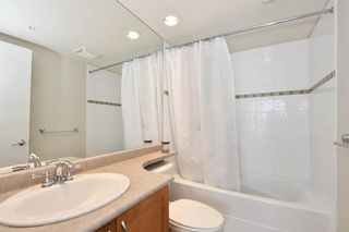 "Photo 9: 901 1316 W 11TH Avenue in Vancouver: Fairview VW Condo for sale in ""The Compton"" (Vancouver West)  : MLS®# R2138686"